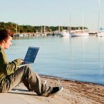 Работа в интернете: преимущества и недостатки