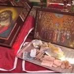 Почему в храме берут деньги за молитвы и таинства?